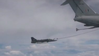 Tejas Midair Refueling Video: Indian Air Force Carries Out Midair Refueling of Tejas Combat Aircraft