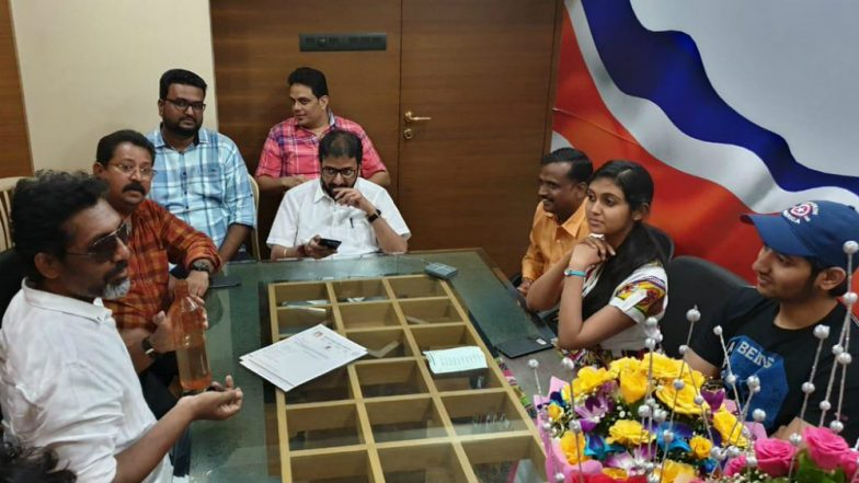 Sairat Film Director Nagraj Manjule and Lead Actors Join MNS Film Workers' Union
