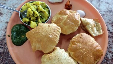 Ganeshotsav Recipe of Day 6: How to Make Puri Bhaji For Lunch During Ganpati Festival (Watch Video)