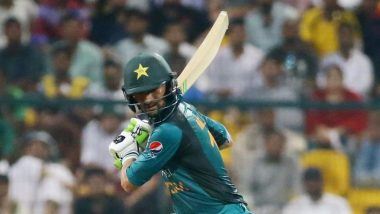 India vs Pakistan, Asia Cup 2018: Shoaib Malik Obliges Indian Fans Calling Him 'Jiju' in Super Four Match, Watch Video