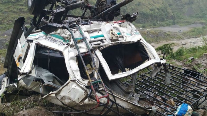 Shimla Road Accident: 10 Dead, 3 Injured After Jeep Fell Into Gorge Near Sanail in Himachal Pradesh