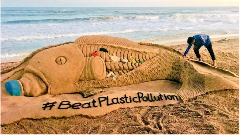Highlighting the Effects of Plastic, Sudarsan Pattnaik Creates Sand Art to Beat Plastic Pollution (View Pic)