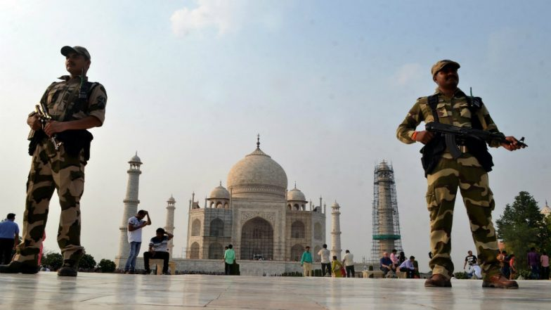 Namaz Banned in Taj Mahal Mosque by ASI, Management Says 'Anti-Muslim' Mindset of Govt Behind Order