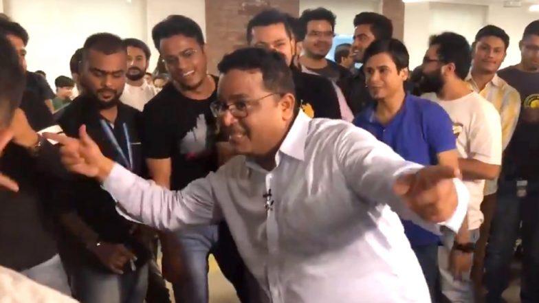 Paytm Founder Vijay Shekhar Sharma Dances on 'Apni Toh Jaise Taise