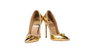 Most Expensive Shoes in the World is of Rs 123 Crore and the Diamond-Studded Gold Shoes Is Up for Sale in Dubai!