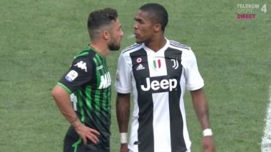 Douglas Costa Spits at Federico Di Francesco During Juventus vs Sassuolo Match; Coach Massimiliano Allegri Says, He Will be Fined (Watch Video)
