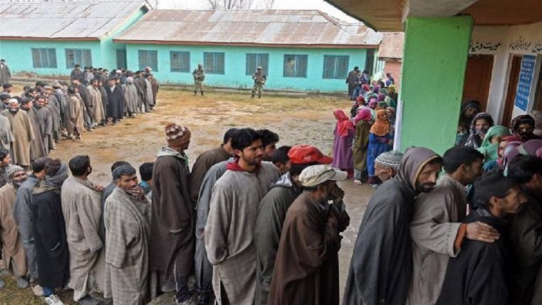 Jammu & Kashmir Local Body Elections 2018: Phase 2 Witnesses 31.3% Overall Voter Turnout, Only 3% in Valley