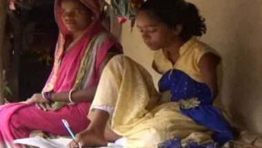 Odisha: 12-Year-Old Girl Subhadra Tungo Born Without Arms, Uses Feet as Hands