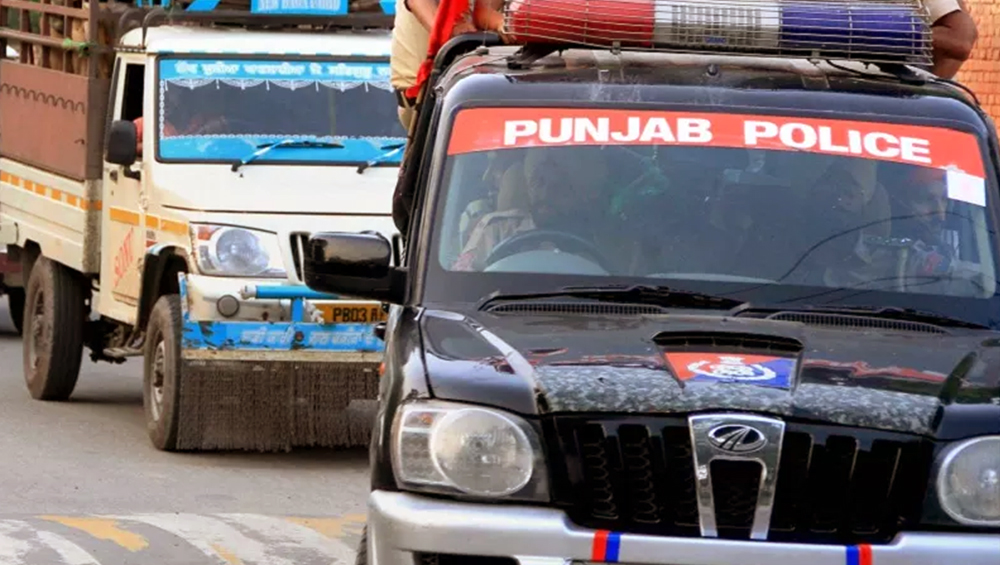 Punjab Police to Provide Free Pick Up, Drop to Women Safely Home Post 9 PM, Announces CM Amarinder Singh
