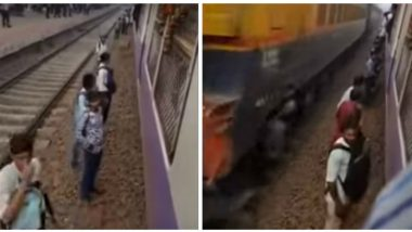 Mumbai's Diva Station Next Amritsar Tragedy in the Making? Watch Video of People Boarding Locals From Railway Tracks