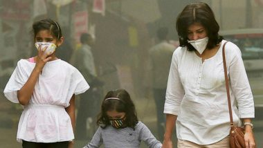 Delhi Air Quality Index: Pollution Worsens in NCR, Anand Vihar at 999 Under 'Hazardous' Category