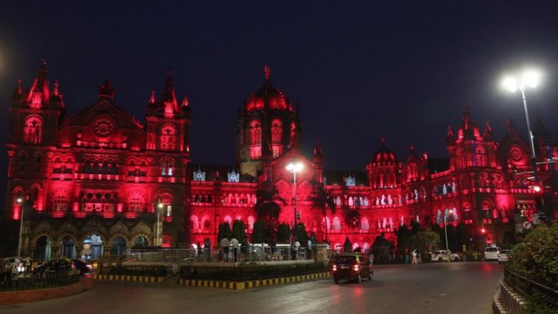 CSMT Building in Mumbai Illuminates in Red Colour to Wish & Celebrate Navratri 2018