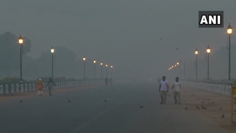 Delhi's Air Quality Plunges Further Ahead of Diwali, Nears 'Severe Plus Emergency' Level