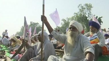 Farmers in Punjab Block Railway Track Near Batala to Protest Against Ban on Stubble Burning and Other Issues