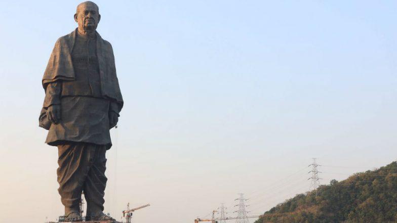 Statue of Unity Unveiling by Narendra Modi News Updates: Narendra Modi Signs Visitors Book Near Statue Of Unity