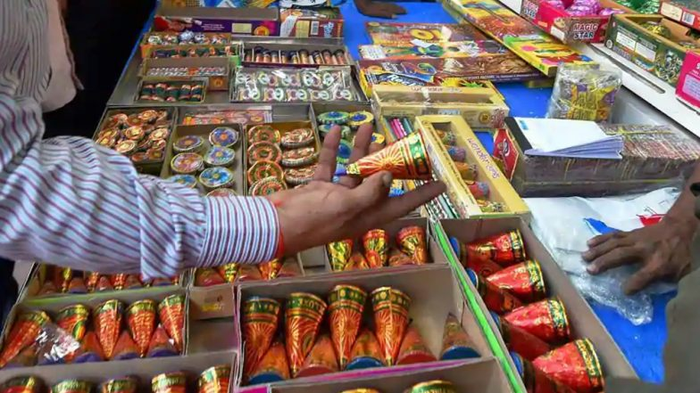 Supreme Court Order on Crackers: Two Booked in Mumbai For Bursting Firecrackers Beyond Fixed Slot on Diwali