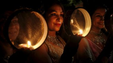 Karwa Chauth 2019 Moonrise Time Today Live: Moon Sighted in Delhi, Women Break Fast and Celebrate Karva Chauth (View Pics)