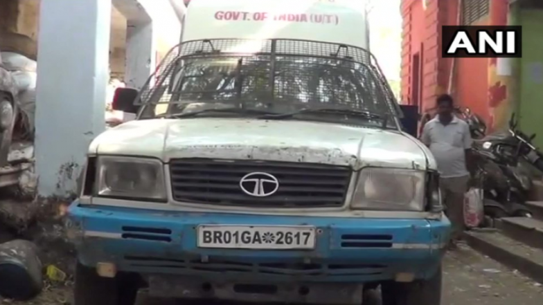 Bihar Excise Department Seizes 100 Cartons of Liquor Bottles in ATM Van, Two Arrested in Dry State