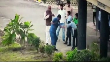 Shivpuri Toll Worker Thrashed by BJP MP Nandkumar Singh Chauhan, Security Guard For Asking For ID Proof; Act Caught on CCTV