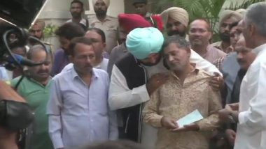 Amritsar MLA Navjot Singh Sidhu 'Adopts Families of Those Killed in Train Tragedy'