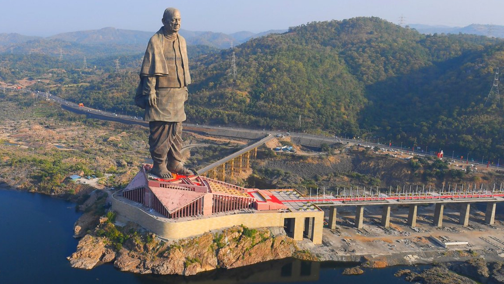 Statue of Unity Maintenance: Lift and Staircase to Be Built Inside World's Tallest Statue As Authorities Struggle to Clean It