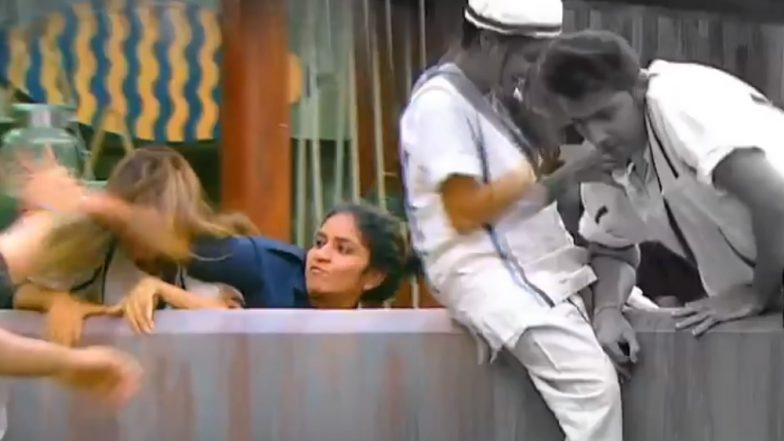 Bigg Boss 12: Surbhi Rana Hits Srishty Rode With Her Elbow And She Deserves To Get Eliminated - Watch Video