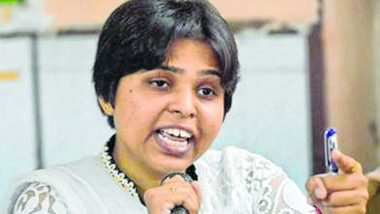 Trupti Desai Says Will Enter Sabarimala Temple Today, Protests Against Activist Outside Kochi Airport