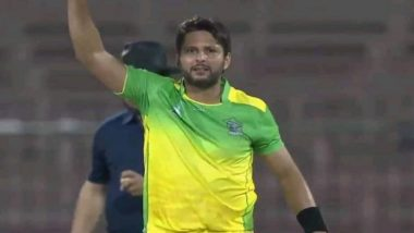 Shahid Afridi Gives an Aggressive Send off to Anton Devcich in APL 2018 Match (Watch Video)