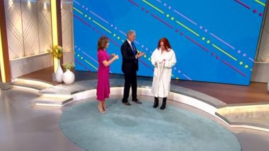 Lorraine Kelly Bared Her Breasts on TV for Breast Cancer Awareness; Twitter Full of Mixed Reactions