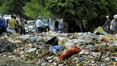 EDMC Strike: Garbage Piles Up in East Delhi, Centre Tells SC It Can't Give Funds for Payment of Salaries to Sanitation Workers