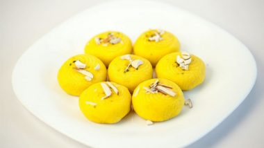 Krishna Janmashtami 2020 Sweets Recipe Ideas With Sweet Wishes & Messages: From Parwal Ki Mithai & Malpua to Nariyal Pag & Balushahi, Here's How to Spread Sweetness on Gokulashtami Puja