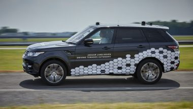 Driverless Range Rover Sport SUV Takes On One of the Most Challenging Roads in UK - Watch Video