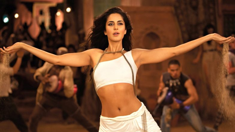 Katrina Kaif Looks HOT in the New Still of Thugs of Hindostan Song Manzoor-e-Khuda! (View Pic Inside)
