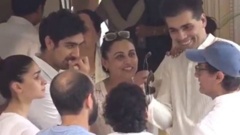 Aamir Khan, Rani Mukerji, Karan Johar Spotted Smiling at Krishna Raj Kapoor's Funeral; Get Trolled on the Picture