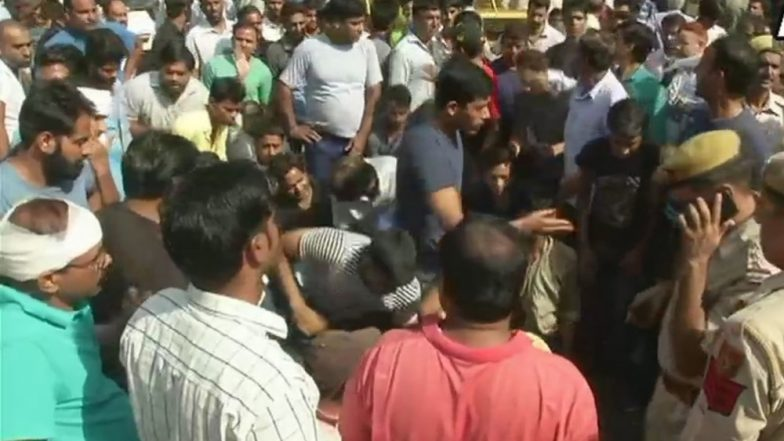 Delhi Man Shot Dead for His Complaint Against Drug Peddlers, Locals Protest, Accuse Police of Revealing His Identity