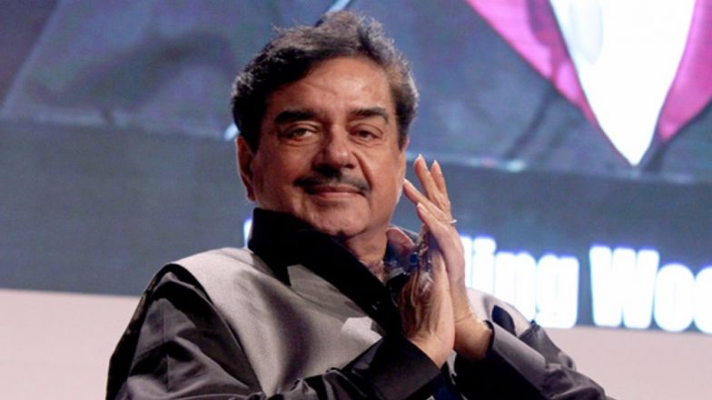 Shatrughan Sinha Jokes By Calling Himself Fortunate Since His Name Didn't Come Out in the #MeToo Movement