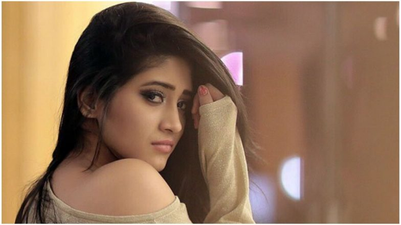 Yeh Rishta Kya Kehlata Hai Fame Shivangi Joshi's Latest Viral Dance Video Will Make You Go Wow!