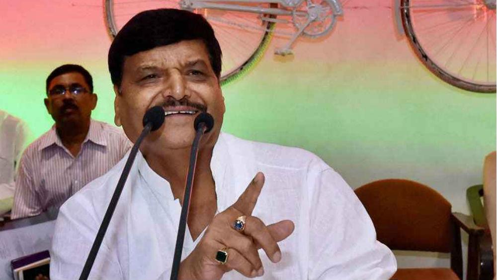 Shivpal Yadav Launches Veiled Attack on Mulayam for Siding With Akhilesh Yadav