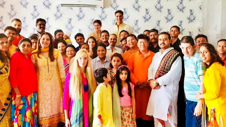 Akshay Kumar's Diwali Celebration With His Employees Will Make You Want to Work in His Office - See Pic