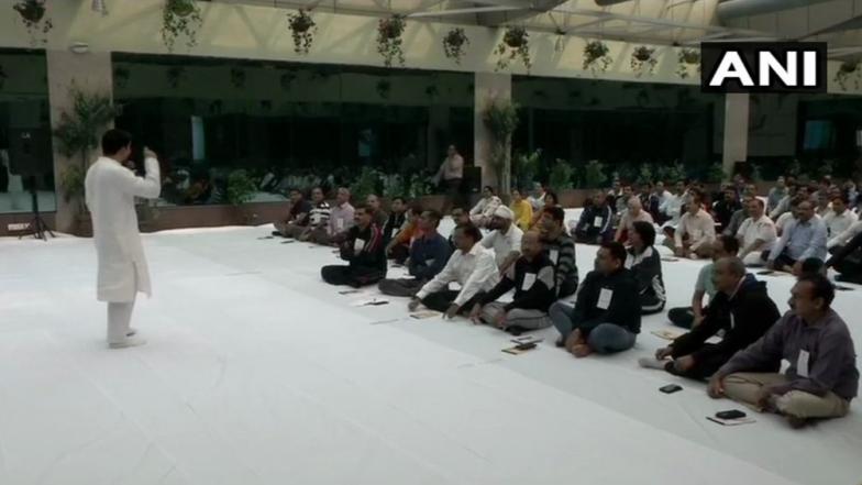 Sri Sri Ravi Shankar's Art of Living Organises 3-Day Workshop at CBI Headquarters for Improving Positivity Among Officers