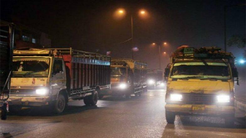 Delhi Air Pollution: Ban on Heavy and Medium Vehicles Entering City From 11pm Tonight till November 11