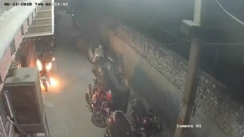 Drunk Man Sets 18 Vehicles on Fire in Delhi Before Diwali; Watch Video