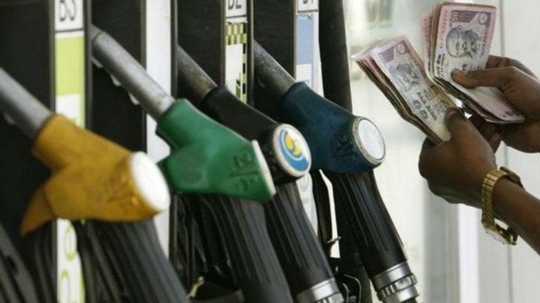 Fuel Prices Fall Further; Petrol & Diesel Cost Rs 78.56 & Rs 73.16 Per Litre in Delhi, Rs 84.06 & 76.67 Per Litre in Mumbai
