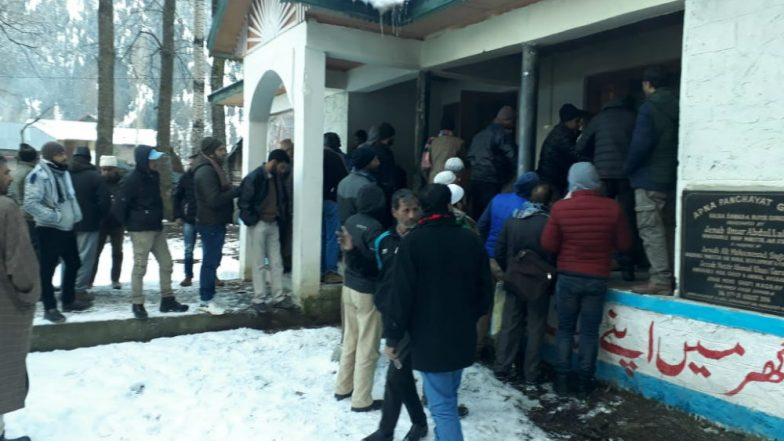 Voting at 2,179 Stations for Second Phase of Panchayat Polls Underway in Jammu and Kashmir