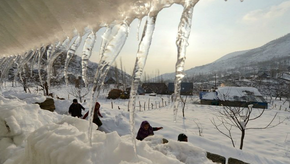 Ladakh: Temperature Drops to Minus 15.6 Degrees Celsius in Leh, Several Parts  of North India Feels the Chill