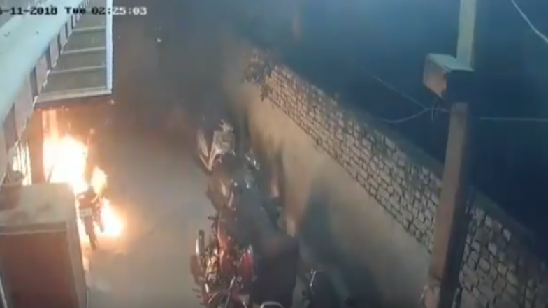 Diwali Shocker! Delhi Man Sets  18 Vehicles on Fire After Being Drunk; Watch Video