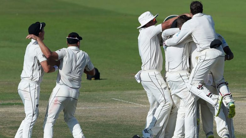 Live Cricket Streaming of Pakistan vs New Zealand 2018 on SonyLIV: Check Live Cricket Score, Watch Free Telecast of PAK vs NZ 3rd Test 2018 Day 5 on TV & Online