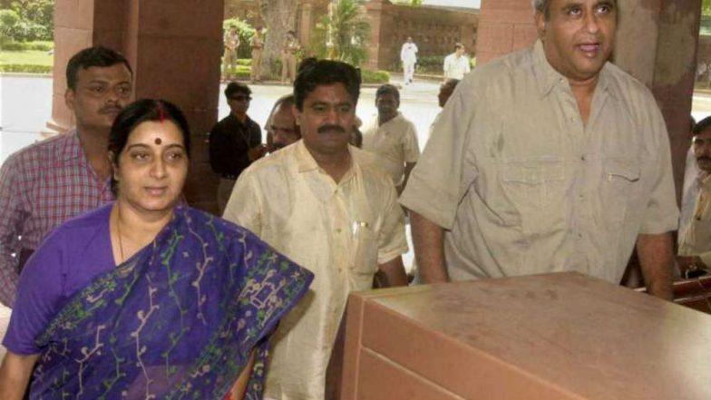 Sushma Swaraj's Husband Kaushal Swaraj Says 'Thank You' After BJP Leader Decides Not to Contest Lok Sabha Elections 2019