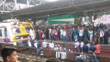 Ola and Uber Strike Called Off in Mumbai: Protesters Stage Rail Roko at Dadar Railway Station, Train Services Take a Hit; Watch Video