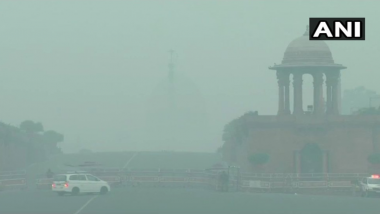 Blanket of Smog Covers Delhi As Air Quality Turns 'Severe' After Diwali Due to Stubble Burning; Watch Pics